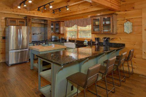 Fully Equipped Kitchen 6 Bedroom Sleeps 26 - Quiet Oak