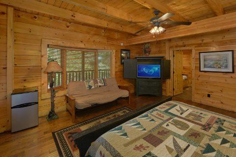 6 Bedroom Cabi nwith Main Floor Master Bedroom - Quiet Oak