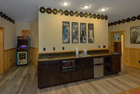 Large Game Room 6 Bedroom Sleeps 26 - Quiet Oak