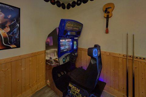 6 Bedroom Cabin with Wet Bar in Game Room - Quiet Oak