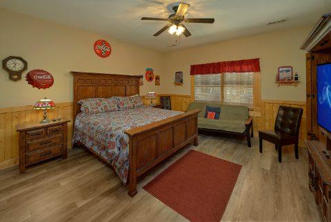 6 Bedroom 5.5 Bath Sleeps 26 in Alpine Village - Quiet Oak