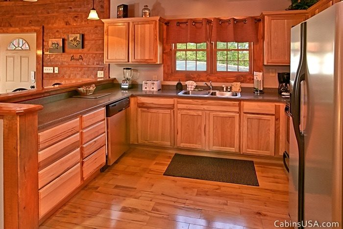 Spacious Fully Furnished Kitchen - R & R