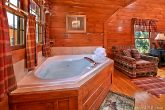 Jetted Jacuzzi Tub in Upstairs King Suite