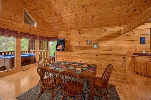 2 Bedroom Cabin with Dining Table for 6 - Radiant Ridge