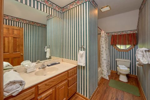 Bathroom with Tub / Shower on Main Level - Rays Inn