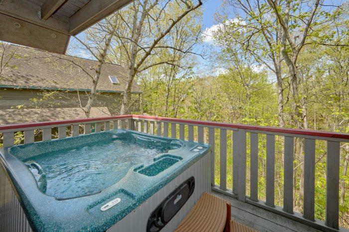Rustic 2 Bedroom Cabin with Hot Tub Sleeps 6 - Rays Inn