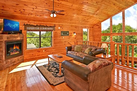 Cabin with Open Living Room - Rest Assured