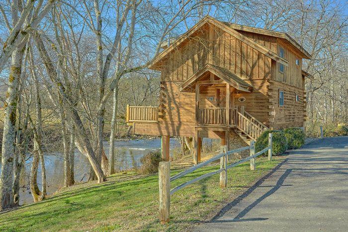 Rippling River Cabin Rental Photo