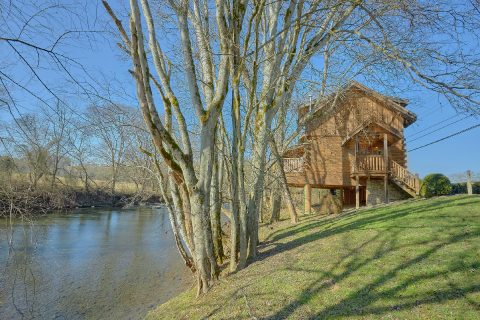 2 Bedroom Cabin on the Little Pigeon River - Rippling River