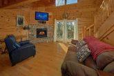 Smoky Mountain 2 Bedroom Cabin Sleeps 5