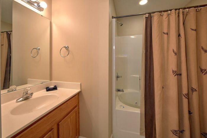 2 Full Bath Rooms 2 Bedroom Cabin - Rippling Waters