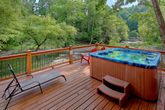 6 Bedroom Cabin Sleeps 20 with 2 Hot Tubs