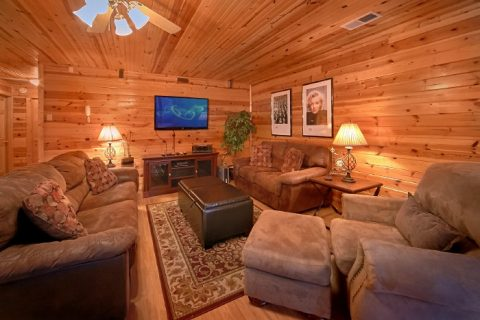 Premium Cabin with Game Room and River View - River Breeze