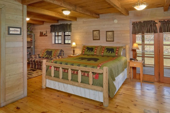 Rustic 1 Bedroom Cabin with King Bed - River Cabin