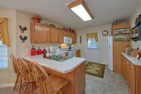 Fully Furnished kitchen in 4 Bedroom Cabin - River Chase