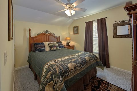 Rental Cabin with 2 King Bedrooms and Baths - River Chase