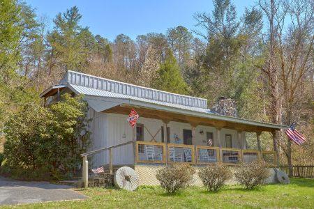 Willow Brook: 2 Bedroom Sevierville Cabin Rental