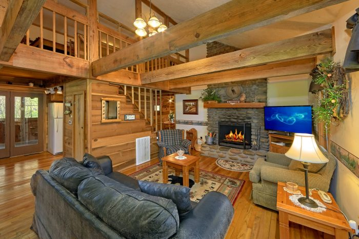 Rustic 2 Bedroom Cabin with Wood Fireplace - River House