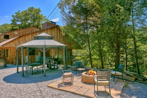 Featured Property Photo - River Mist Lodge