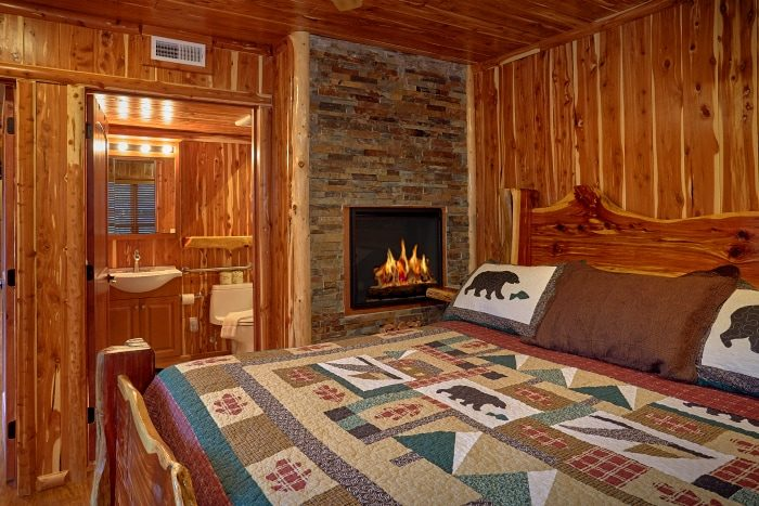 Master Suite with Mini Fridge and TV in Cabin - River Mist Lodge