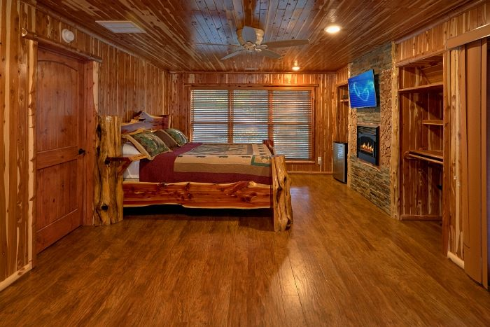 6 Bedroom Cabin with Luxurious Steam Showers - River Mist Lodge