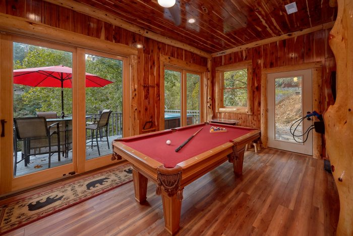 6 Bedroom Cabin with a Gazebo on the River - River Mist Lodge