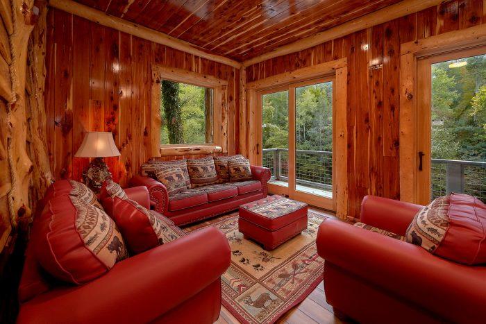 Luxury Cedar Log Cabin overlooking the River - River Mist Lodge