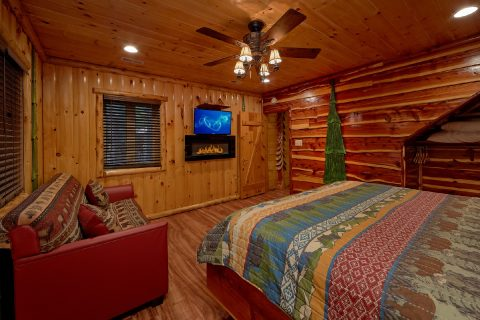 Master Bedroom with King Bed and Fireplace - River Paradise