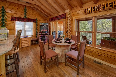 2 Bedroom Cabin with spacious Dining Room - River Pleasures
