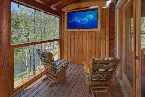 2 Bedroom Cabin On River with TV On Deck - River Pleasures