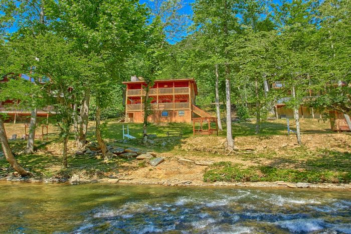 River Retreat Cabin Rental Photo