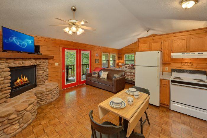 Cozy 1 Bedroom Honeymoon Cabin on the river - River Rush