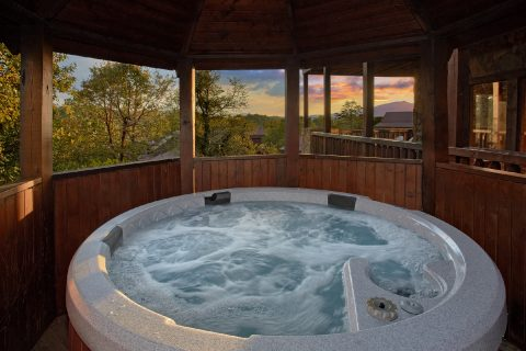 7 Bedroom Luxury Cabin with Hot Tub and Gazebo - Rocky Top Lodge