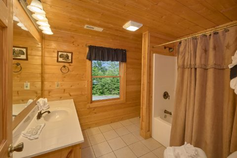 Premium 7 Bedroom Cabin with 6 and half baths - Rocky Top Lodge