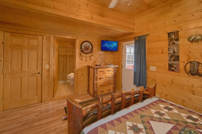 7 Bedroom Cabin with Car Racing Arcade Game - Rocky Top Lodge