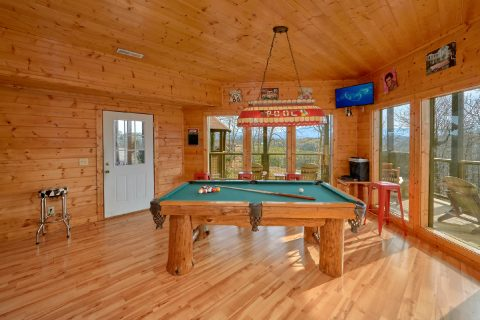 Luxurios Cabin with Pool Table and Game room - Rocky Top Lodge