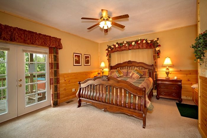 Premium 1 Bedroom with King Canopy Bed - Royal Romance