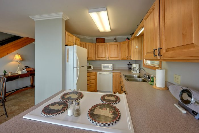 Wears Valley cabin with full kitchen and View - Ruby's Cliffside