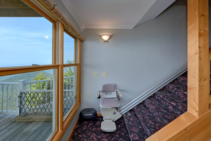 Mountain Top Cabin with Stair Chair Lift - Ruby's Cliffside