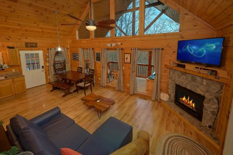 Rustic 2 bedroom cabin with fireplace - Running Creek