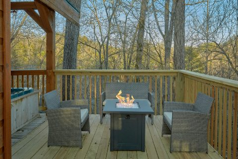 Secluded cabin with Fire pit and hot tub - Running Creek