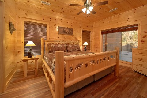 King Bedroom with Private Bath in River Cabin - Rushing Waters