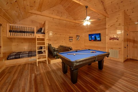 Premium Cabin with Pool Table and Media Room - Rushing Waters