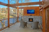Luxury Cabin on the River with Outdoor Fireplace