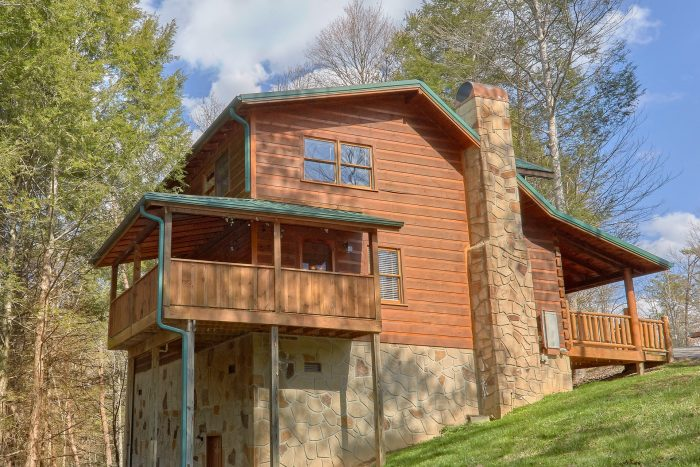 Wooded 3 Bedroom Cabin near Gatlinburg - Sassy Lady