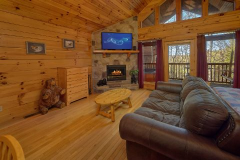1 Bedroom Sleeps 6 Pigeon Forge - Saw'n Logs