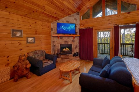 Fireplace 1 Bedroom Cabin - Saw'n Logs