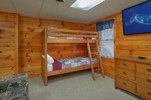 Private Hot Tub 1 Bedroom Cabin Pigeon Forge - Saw'n Logs