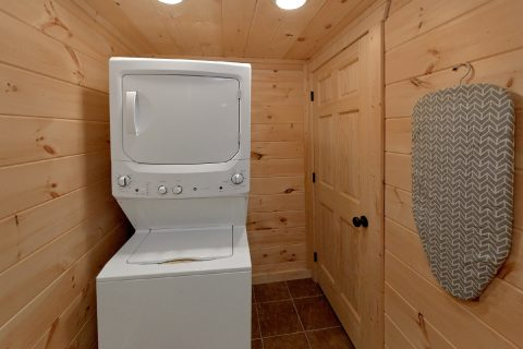 2 Bedroom with Indoor Pool Stack Washer & Dryer - Scenic Mountain Pool