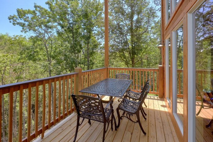 Brand New 2 Bedroom Cabin with Indoor Pool - Scenic Mountain Pool